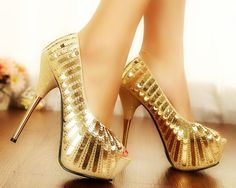 Sapatos de festa ouro brilhante saltos fino - Produto 433863 | AIRU