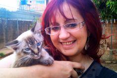 Eu escolhendo minha mamãe no Gatil que me acolhia