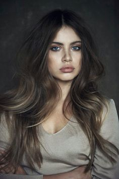 This season, the warmth and natural looking shades of brown hair color will capture your heart young ladies! The brown hair color ideas will make you feel My Hairstyle, Pretty Hairstyles, Hairstyle Ideas, Amazing Hairstyles, Latest Hairstyles, Hairstyles Haircuts, Hair Inspo, Hair Inspiration, Character Inspiration