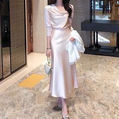 Modest Outfits, Classy Outfits, Modest Fashion, Stylish Outfits, Fashion Dresses, Ulzzang Fashion, Hijab Fashion, Korean Fashion, Workwear Fashion