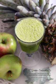 Kolejny koktajl owocowo-warzywny powalający swoim smakiem i na dodatek mający bardzo cenne właściwości dla naszych organizmów. Zielone smoothie z ananasa, jabłka i jarmużu to smoothie oczyszczające, odchudzające, odkwaszające i osuszające, i na dodatek PYSZNE! Świeży i dojrzały ananas jest owocem, który podobnie jak kasza jaglana odkwasza nasz organizm i osusza go z wilgoci, dzięki temu…