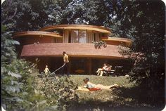 THIS CIRCULAR HOUSE IN ILLINOIS (1954) BY DON ERICKSON