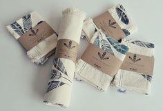Manta y Fundas de almhada decorativas  influencia Étnica en tejidos ecológicos 100% algodón reciclado