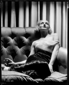 Carole Lombard by eugene richee--decaying hollywood mansion's Old Hollywood Glamour, Golden Age Of Hollywood, Vintage Hollywood, Hollywood Stars, Classic Hollywood, Classic Actresses, Hollywood Actresses, Actors & Actresses, Classic Movies