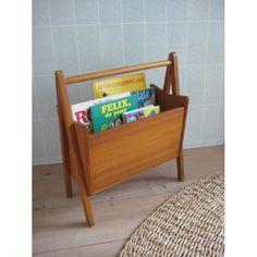 houten vintage lectuurbak voor kinderboekjes - www.mevrouwdeuil.nl