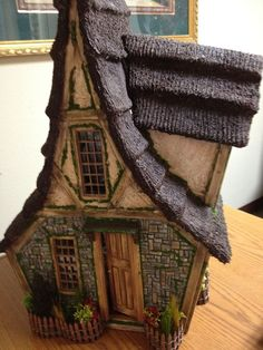Rik Pierce Thatched Cottage | Paper Clay Cottage 3rd picture