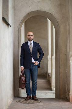 Granatowa marynarka i dżinsy | Mr Vintage - rzeczowo o modzie męskiej
