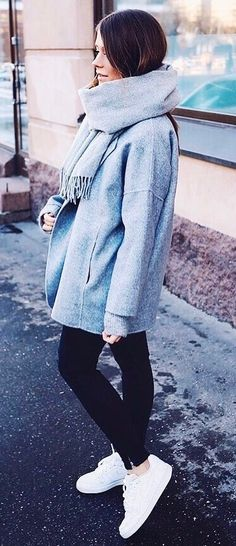 fall outfit idea : coat + scarf + black skinny jeans + sneakers