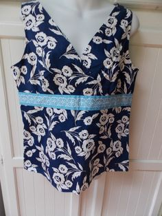 Ann Taylor Loft White Navy Light Blue Floral Crossover Stretch Top 14 | eBay