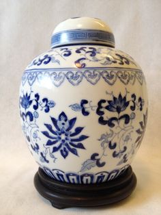 """Vintage 8.5"""" tall ceramic hand painted ginger jar on wood stand"""