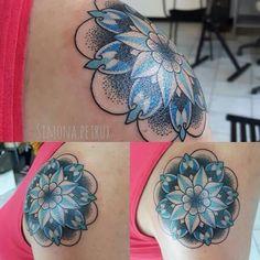 Mandala blu Simona Petrux Simona.petrux@gmail.com Instagram. SIMONA.PETRUX Fb. Simona Petrux Tattoo Sweet Mamba Tattoo Studio ROMA