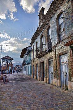 Cuenca - Equador, America do Sul Cuenca Ecuador, Bolivia, Places Around The World, Around The Worlds, Equador Quito, Chile, Places To Travel, Places To Visit, Galapagos Islands