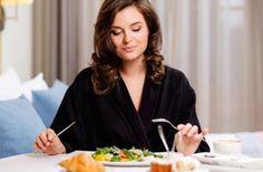 Медики развенчали пять мифов о жире, которые мешают похудеть