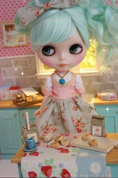 Blythe doll -minty fresh colors.. i think i need some candy!