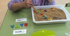 qui busca troba Name Activities, Alphabet Activities, Educational Activities, Activities For Kids, Montessori Preschool, Preschool Curriculum, Kindergarten, Teaching Tools, Teaching Kids