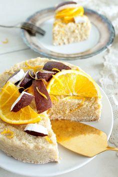 No-Bake Coconut Orange Quinoa Cake Green Evi Raw Desserts, Vegan Dessert Recipes, Vegan Sweets, Raw Food Recipes, Sweet Recipes, Cake Recipes, Healthy Sweets, Raw Cake, Vegan Cake