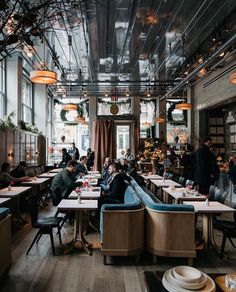 Industrial Style Restaurants in L.A You Can't Miss - Industrial Style Restaurants in L.A You Can't Miss – Decoration Restaurant, Deco Restaurant, Restaurant Interior Design, Modern Interior Design, Vintage Restaurant Design, Restaurant Ideas, Cafe Interior Vintage, Interior Ideas, Industrial Restaurant Design