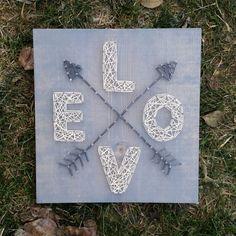 Hecho a la medida de la cadena arte amor con flechas muestra por BlossomingBurlap