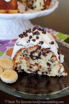 Moist and Fluffy Homemade Banana Cake - Best banana cake ever!!  #banana #cake #bundtcake #dessert