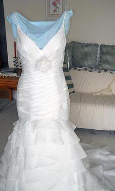 Victoria's Bridal Venovia Couture 211647, find it on PreOwnedWeddingDresses.com