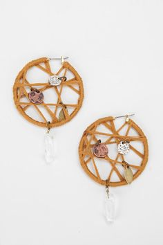 I will be figuring out how to make these - the only way I can save the picture in email is if I pin it :s enjoy!    Dreamcatcher Earring  #UrbanOutfitters
