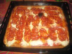 pizza!! con salame piccante :) http://bricioledimele.blogspot.it/
