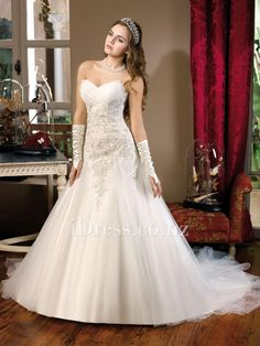 western tulle lace applique sweetheart strapless a-line wedding dress