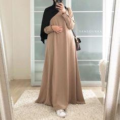 Modest Fashion Hijab, Modern Hijab Fashion, Abaya Fashion, Skirt Fashion, Fashion Outfits, Fashion Styles, Modern Islamic Clothing, Beautiful Hijab Girl, Muslim Dress