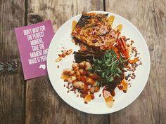 English breakfast / Pride way: chickpea omelette paprika bac-onions tamari mushrooms butter beans paprika sauce.   ////////////////////////  #salad  #vegetarian #vegan     #veganfood #veganshare #feelgood #healthy #healthyfood #saladpride #saladlove #instahealth #healthychoices  #realfood #wholefood #eatyourgreens  #organic #plantbased #plantbaseddiet #healthyisawayoflife    #pridekitchen #supperlove  #nourishingfood #foodwithlove