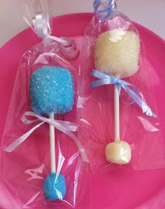 Tutorial:  Cute baby rattle marshmallow pops favors for a baby shower, baptism or christening.