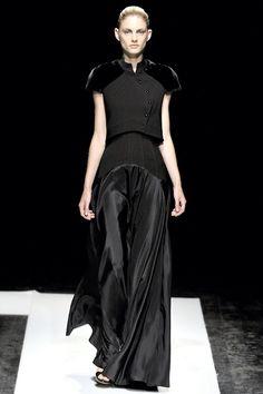 empress-empire:    Maxime Simoens {Fall/Winter 2011 Couture}