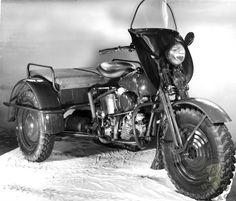 Riding Vintage: Harley-Davidson TA - Shaft-Drive Knucklehead Trike