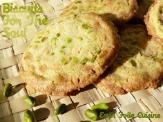 Vanilla white chocolate and pistacchio cookies Brookies, White Chocolate, Sweet Recipes, Cookie Recipes, Bakery, Eat, Cooking, Ethnic Recipes, Muffins