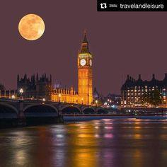 Meu boa noite de hoje vai com essa super lua fantástica em Londres!  #goodnight #superlua #supermoon #bonssonhos  #Repost @travelandleisure with @repostapp  Did you catch the #supermoon? #TLPicks courtesy of @izkiz