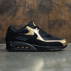 Nike Men Air Max '90 Essential (black / black-metallic gold)