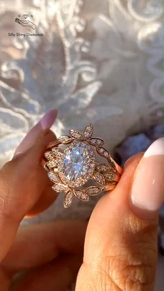 Gothic Engagement Ring, Dream Engagement Rings, Classic Engagement Rings, Wedding Rings Vintage, Pretty Rings, Dream Ring, Ring Designs, Diamond Rings, Fashion Jewelry
