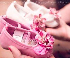elegant-baby-shower-decor-shoes