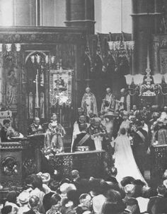 HRH The Duke of York married Lady Elizabeth Bowes-Lyon  on 26 April 1923 in Westminster Abbey.