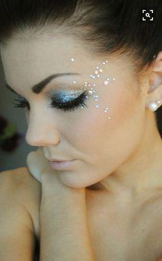 Glitter make up eyes summer festival