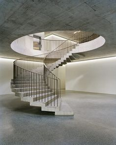 Breathtaking staircase entryway - make sure you visit our brief article for much more concepts! Concrete Staircase, Staircase Railings, Stairways, Staircase Architecture, Architecture Design, Railing Design, Staircase Design, Types Of Stairs, Framing Construction