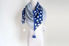 STYLE NO: 16SS0012 DESCRIPTION: Fashion Print square scarf w/tassel SIZE: 100*100+10*4 CM 60G COMPOSITION: 100% Cotton MOQ: 800 pcs LEAD TIME: 60 days