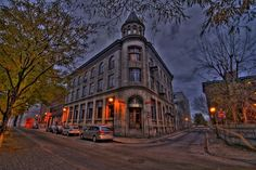 Place d'Youville Montreal Architecture, Old Montreal, Canada, Belle Villa, Night Photos, Quebec City, Far Away, Night Vision, Places Ive Been