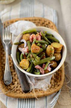 Salad of new potatoes and green beans Bento Recipes, Healthy Recipes, Rabbit Food, Salad Sandwich, Green Beans, Entrees, Potato Salad, Picnic, Salads