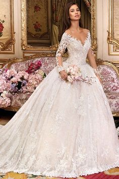 Fascinating Tulle & Lace Scoop Neckline Ball Gown Wedding Dress With Lace Appliques & Beadings