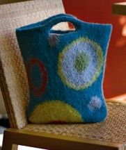Circle Tote by Leigh Radford @Sandy Cobaugh .  use this circle design for the noro yarn shawl.