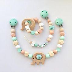 Pacifier clip, Pram chain and Teething Ring Handgemachtes Baby, Baby Toys, Camo Baby, Girl Camo, Teething Beads, Teething Toys, Dummy Clips, Baby Crafts, Handmade Baby