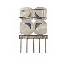Broche I. Cemento, plata.  Brooch I. Cement, silver. Paula Jimenez Yera