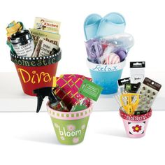 clay pot gift baskets Each family in school or each child in one class makes one (can be box) and gives to fete stall for others to buy. Craft Gifts, Diy Gifts, Crafts To Sell, Fun Crafts, Just In Case, Just For You, Clay Pot Crafts, Craft Show Ideas, Mothers Day Crafts