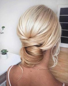 Prom Hairstyles For Long Hair - - Hairstyles - Hairstyl. Prom Hairstyles F Prom Hairstyles For Long Hair, Straight Hairstyles, Braided Hairstyles, Cool Hairstyles, Formal Hairstyles, Hairdos, Long Hair With Bangs, Braids For Long Hair, Pixie Cut