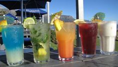 An overview of top sundowner spots in Camps Bay, Sea Point, Cape Town and surrounds. Find out about the city's best natural sites, beach bars and cocktail lounges from which to view the sunset while sipping on a refreshing drink… Camps Bay Cape Town, South African Recipes, Table Mountain, Beach Bars, Refreshing Drinks, Soul Food, Things To Do, Places To Visit, Cocktails